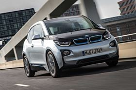 The BMW i3 4-seat urban vehicle is powered by a 125 kW/170 hp electric motor and achieves a range of 130-160 km in typical traffic conditions. An optional Range Extender increases this to 300 km. (Picture © BMW.)