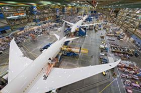 Three Dreamliners in the final assembly facility in Everett, Washington. (Picture © Boeing.)