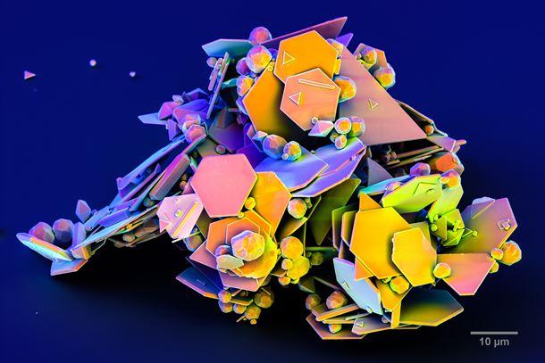 Gold platelets for high-quality plasmonics