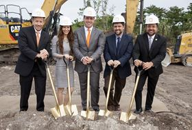 From left to right, Doug Hedges, Sintavia COO, Jana Neff, Sintavia co-owner, Brian Neff, Sintavia co-owner, Gus Zambrano, assistant city manager, city of Hollywood and Mayor Josh Levy, city of Hollywood. (Photo courtesy Business Wire.)