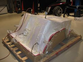 The carbon fibre epoxy composite monocoque cockpit chassis was 'out of autoclave' moulded under vacuum from GMS EP270 epoxy pregreg at only 70°C.