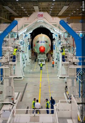Fuselage sections for the third A350 XWB were joined at the A350 XWB Final Assembly Line in Toulouse. (Picture © Airbus.)