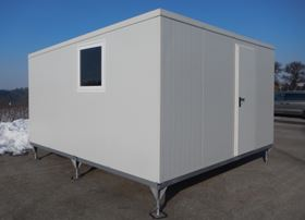 The GHS Temporary Home consists of sandwich panels that can be assembled modularly into a house.