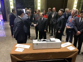 From left to right: Mike Goh, general manager, Additive Industries Asia Pacific, Daan Kersten, CEO, Additive Industries, Wim van de Donk, Commissaris van de Koning van Noord-Brabant, Wu Zheng Long, Governor Jiangsu Province, China.