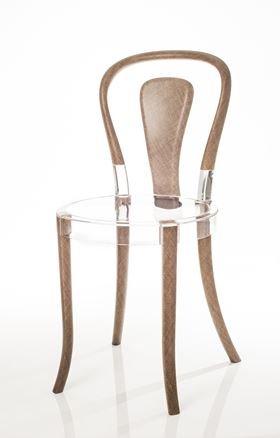 Revology's design is the first chair to be made out of flax-fiber tubes and bio-based materials.