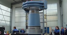 Final positioning of the SFK wind turbine housing. Photo courtesy of SKF.