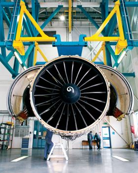 The fan on a GE90 engine features 22 carbon fibre/epoxy composite fan blades. (Picture courtesy of GE.)