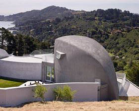 Kreysler's award-winning California Bay House is a monocoque structure consisting of nine custom-moulded, fire-retardant FRP sandwich panels.