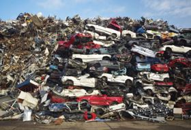 The EU's End-of-Life Vehicles (ELV) Directive states that 80% of the vehicle weight must be reused and recycled at the end of its service life. This figure will increase to 85% by 2015. (Picture © Eric Gevaert, Shutterstock.com.)