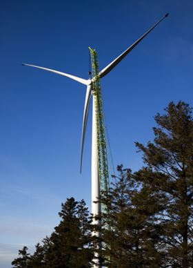 The picture shows the new SWT-3.0-101 DD wind turbine, which was installed close to the Danish town of Brande. The new prototype is a gearless machine with a power rating of 3 MW and has s rotor diameter of 101 meters. Courtesy of Siemens.
