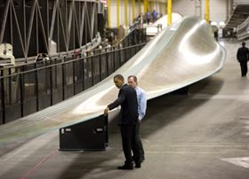 US President Barack Obama visits the Siemens Wind Power plant in Iowa, USA, where wind turbine blades are produced with Cannon DX series epoxy infusion machines. (Photo courtesy of Siemens Wind Power.)
