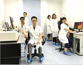 Researchers in Professor Yanlin Song's lab.