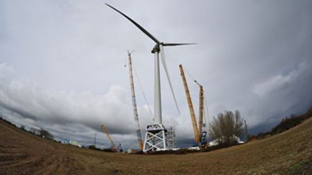 LM 73.5 m blades flying on 6 MW offshore wind turbine