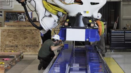 Giant robot helps NASA make composite parts
