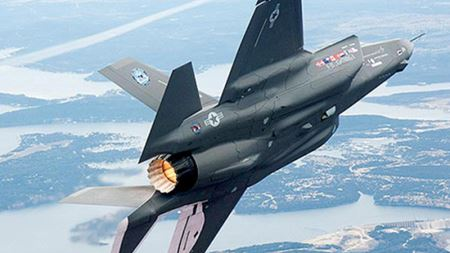 Quickstep wins research contract for F-35 carbon composites