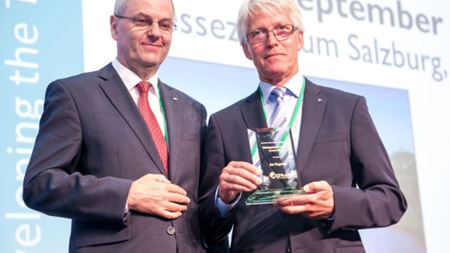 Höganäs PM specialist receives EPMA Distinguished Service Award